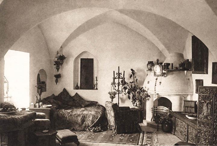 Camera de zi a apartamentului Reginei Maria din Castelul Bran <br /> Sursă foto: Arhivele Naționale ale României