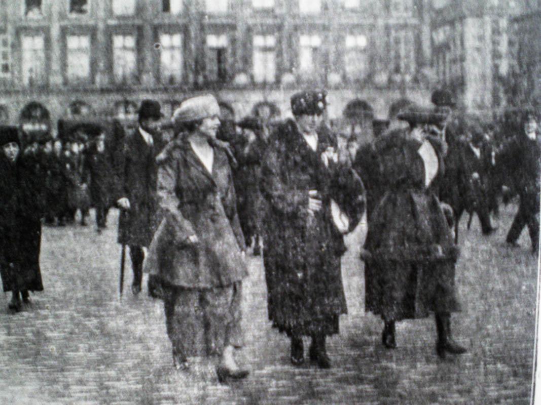 Regina Maria la Paris, 1919