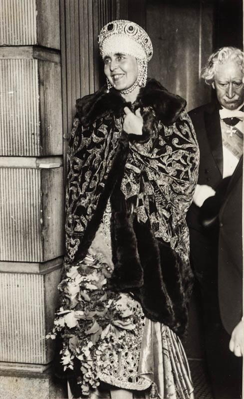Regina Maria cu bătrânul Nelson Cromwel, în New York <br /> Sursă foto: Arhivele Naționale ale României