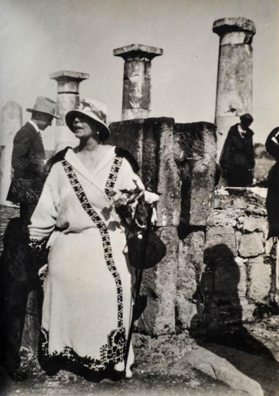 Regina Maria la Napoli, 1924 <br /> Sursă foto: Arhivele Naționale ale României