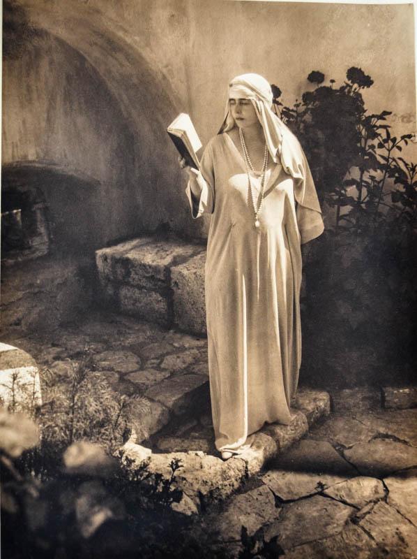 Regina Maria la Castelul Bran <br /> Sursă: Arhivele Naționale ale României