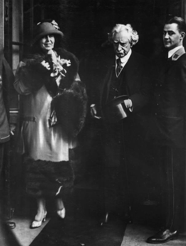 Regina Maria împreună cu William Nelson Cromwell <br /> Sursă foto: Arhivele Naționale ale României