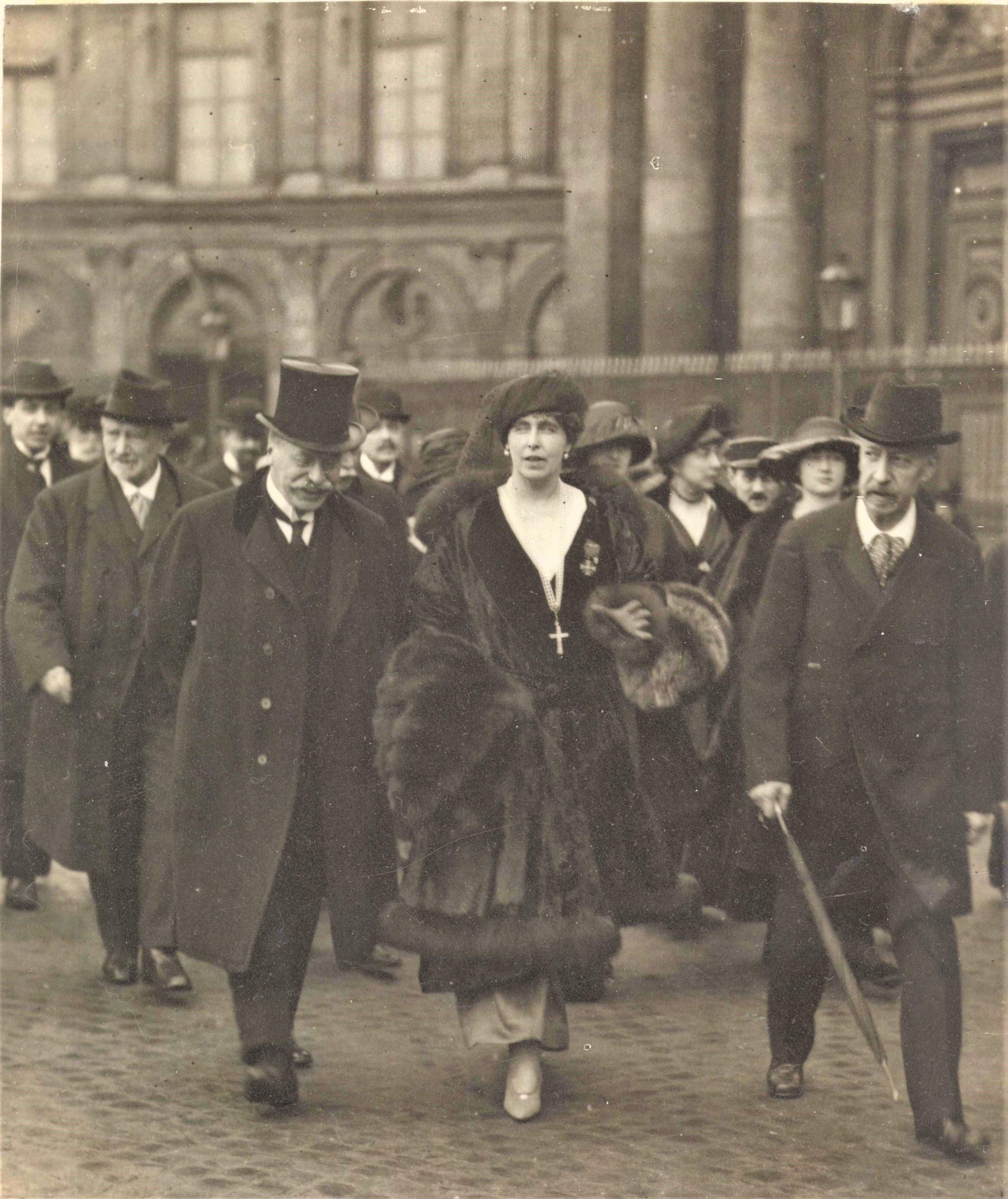 Regina Maria și premierul francez George Clemeneceau, Paris, 1919 <br /> Sursă foto: Arhivele Naționale ale României