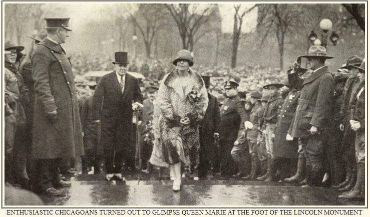 Regina Maria depunând flori la mormântul președintelui american Abraham Lincoln <br /> Sursa: https://explore.chicagocollections.org/